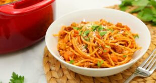 3 Delicious One Pot Pastas   Spaghetti Bolognese, Pesto Penne, Ham & Swiss Farfalle!