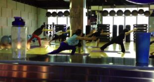 Hatha Yoga in Celebrity Fitness Center the bellezza Shopping Arcade